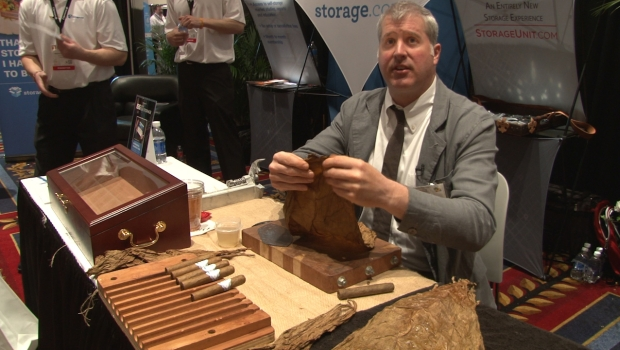 ISS Expo 'How-To Program': Storage.com Hosts Cigar-Rolling Demonstration
